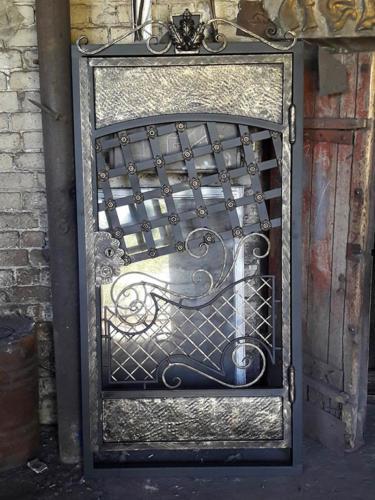 door-047