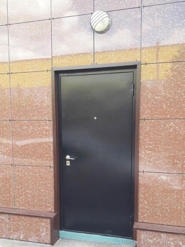 door-081