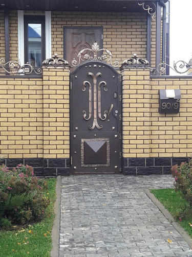 door-082