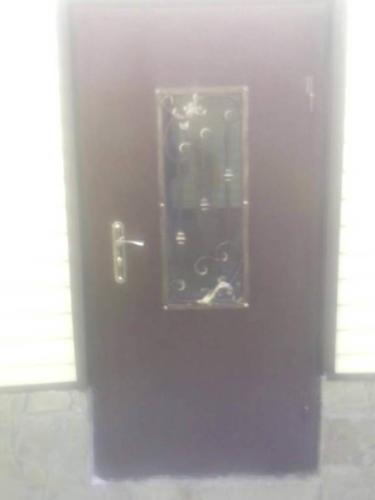 door-084