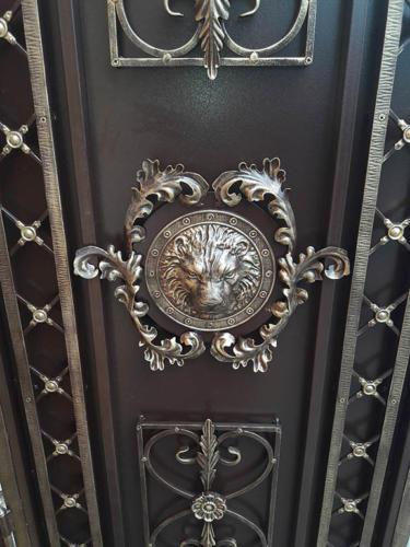 door-092